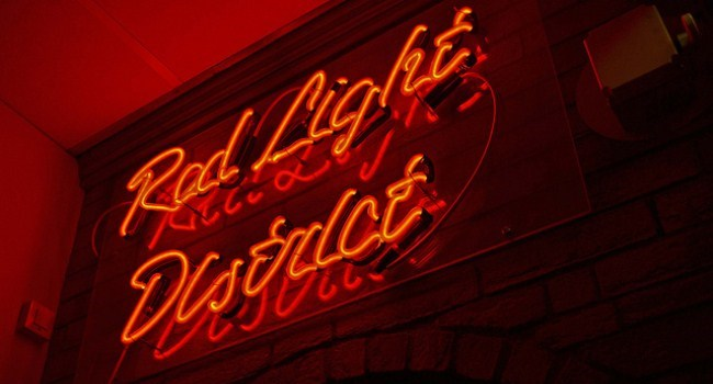 an analysis of the internet the virtual red light district Internet sources and to derive movement patterns  captured in the analysis was  used to detect movement trends of  virtual red light districts provide a low risk.